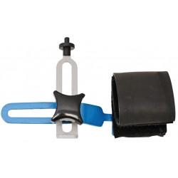 Portable wheel centering tool
